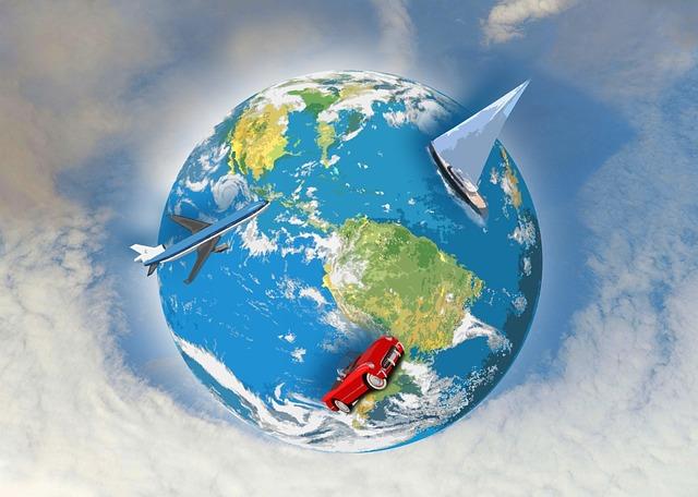La mondon ĉirkaŭas ni trifoje